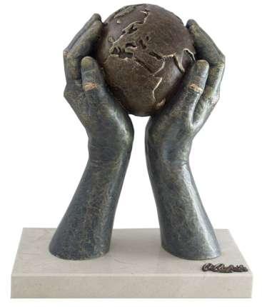 """Скульптура """"Мир в твоих руках"""", малая"""