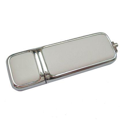USB-Flash накопитель (флешка) в компактном металлическом корпусе с кожаными вставками, модель 213, объем памяти 32 Gb, цвет белый