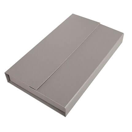 Коробка подарочная для набора из ежедневника формата A5 и флешки, цвет серебряный