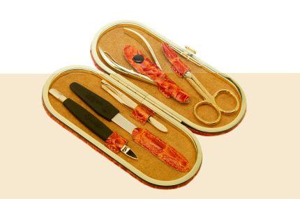 Маникюрный набор GD, 5 предметов, в кожаном оранжевом футляре