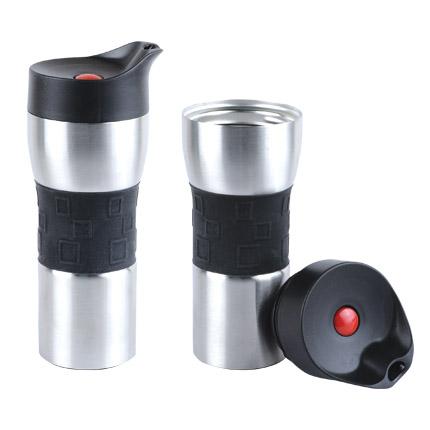 """Термостакан вакуумный (кружка) """"Уберто"""" с двойными стенками из нержавеющей стали и кнопкой, 370 мл, серебряный корпус с черной силиконовой манжетой"""